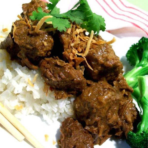 malaysian beef rendang photos