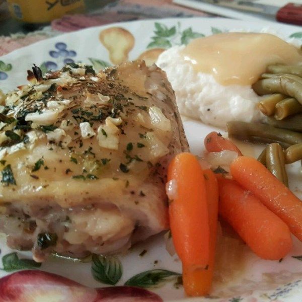 garlic and basil baked chicken thighs photos