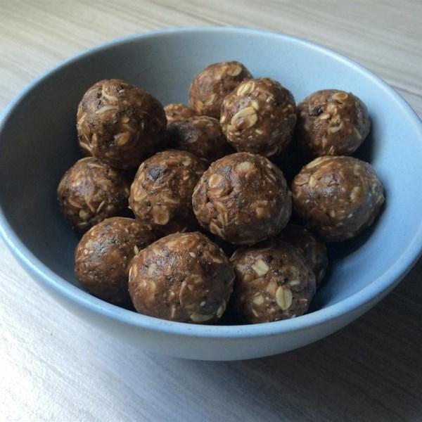 chocolate protein balls photos