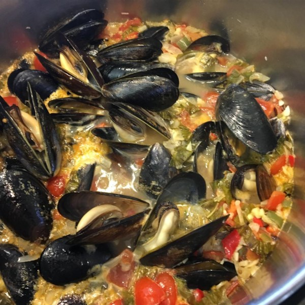mussels mariniere with linguine photos