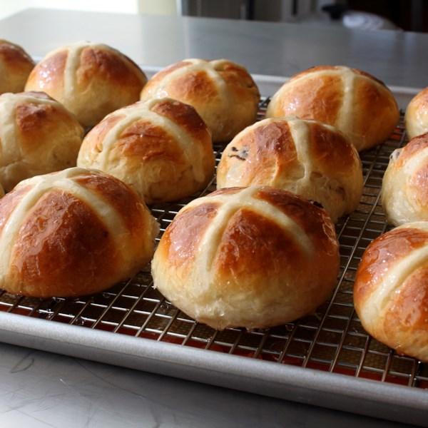 chef johns hot cross buns photos