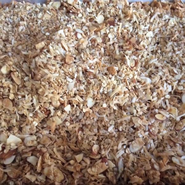 almond maple granola photos