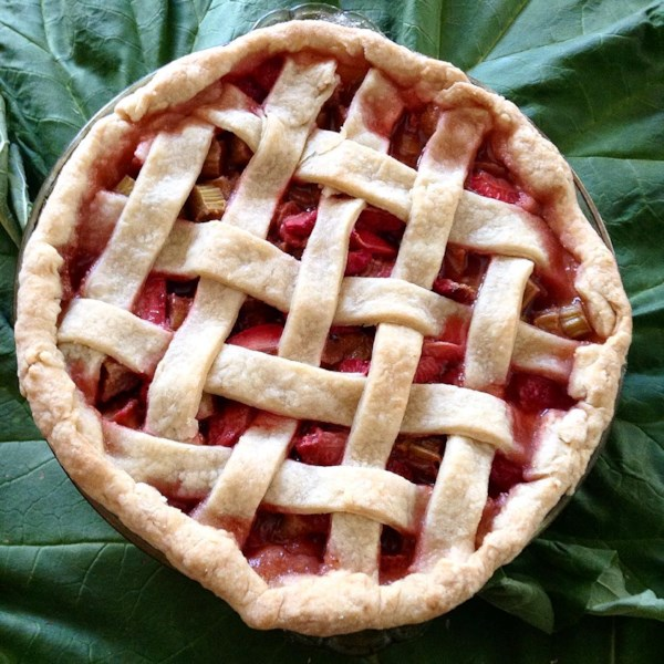 renees strawberry rhubarb pie photos