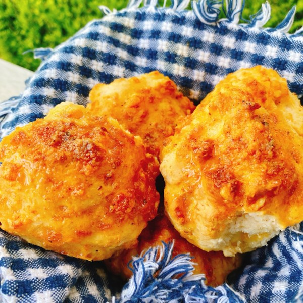 air fryer zesty cheddar biscuits photos