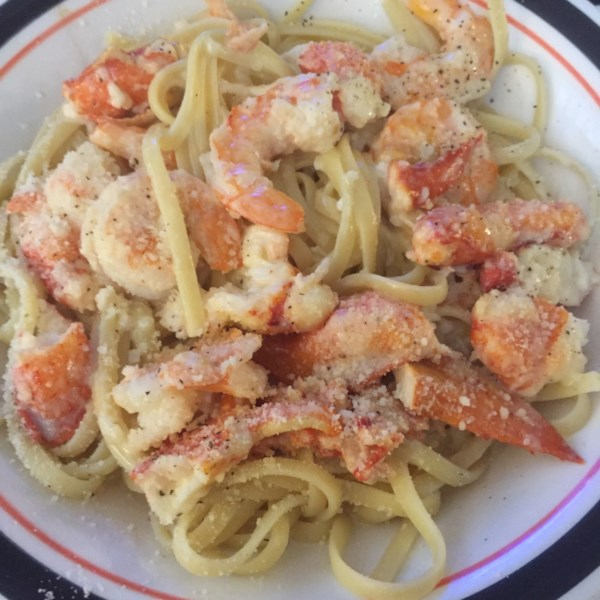 scrumptious seafood linguine photos