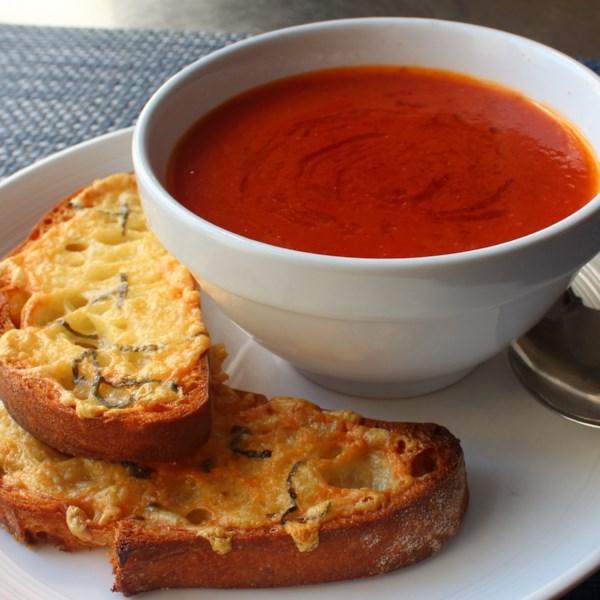 fresh tomato soup with crispy cheese toast photos