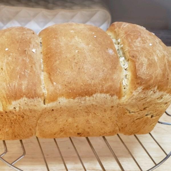 light oat bread photos