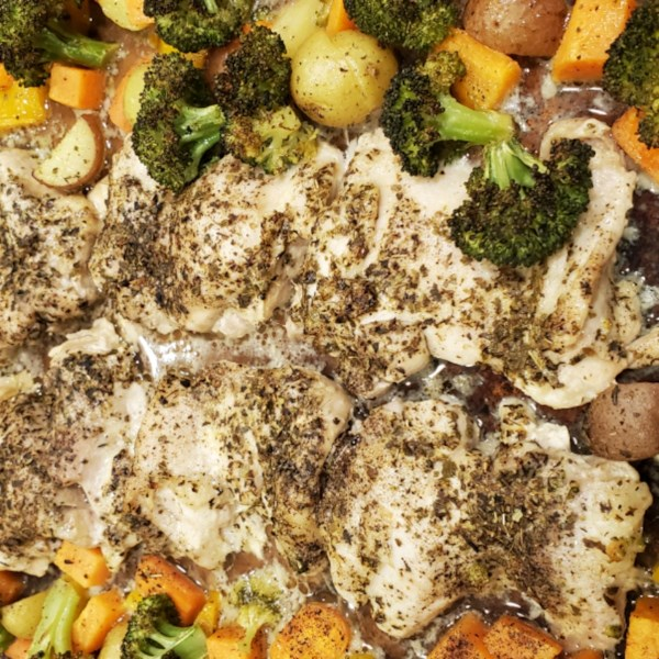 baked chicken breasts and vegetables photos