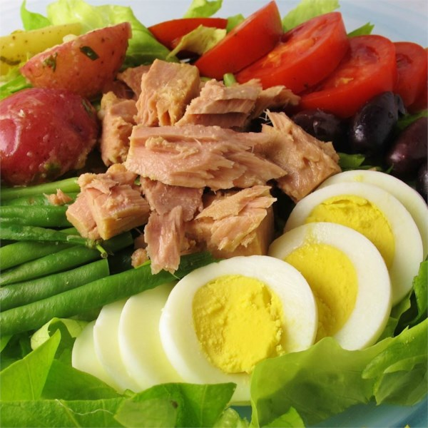 salad nicoise photos