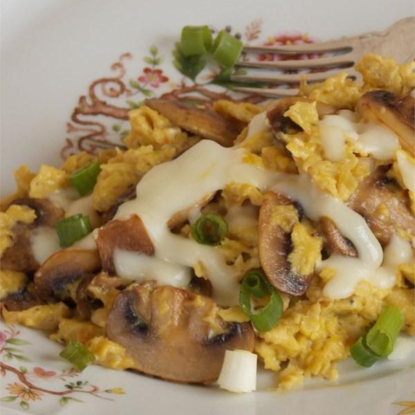onion and mushroom scrambled eggs photos