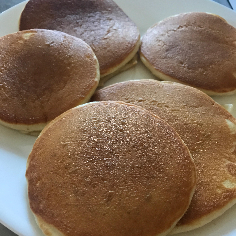 Buttermilk Pancakes I Jeni