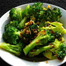 Bright and Zesty Broccoli Molly