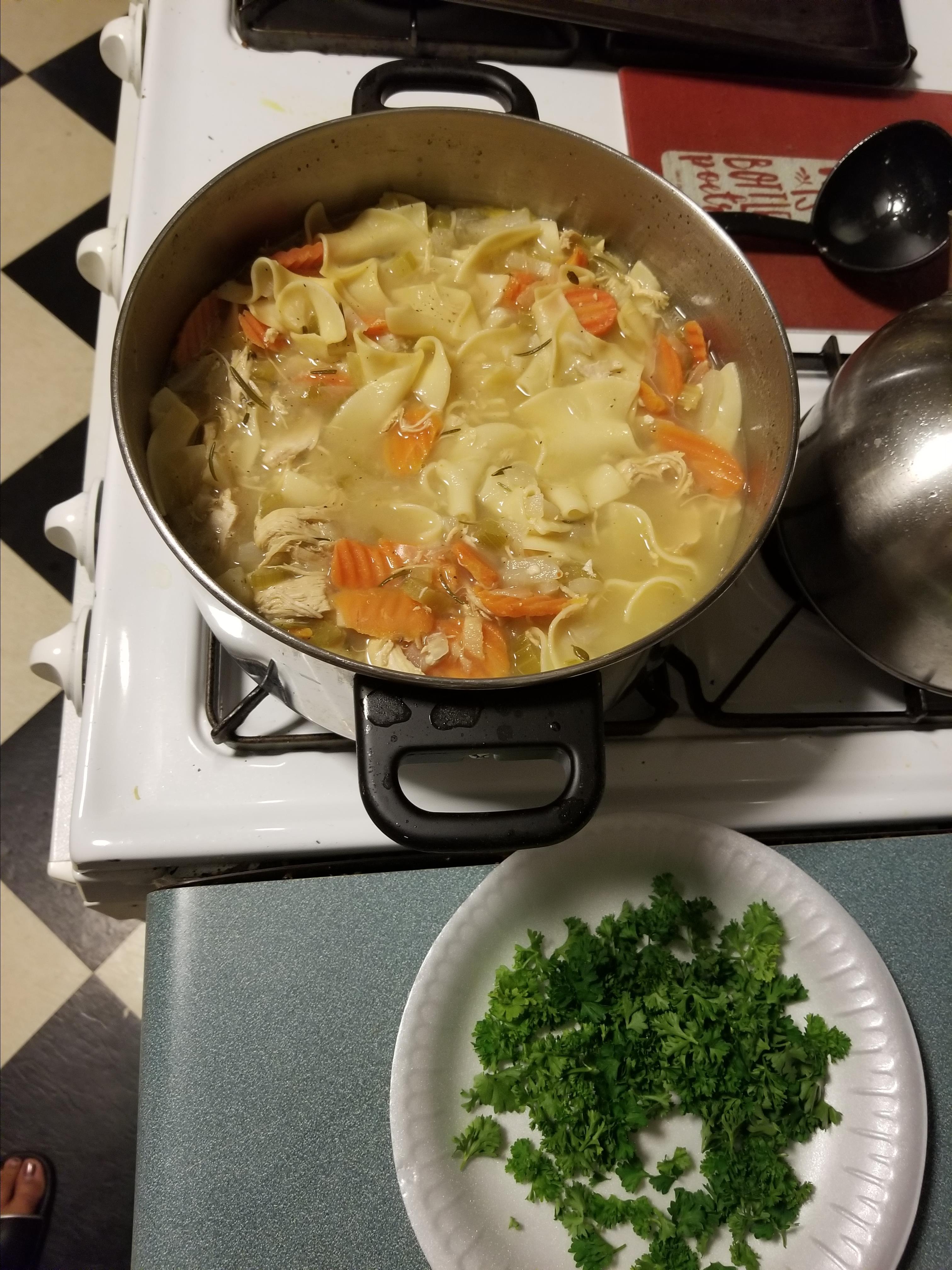 Cold-Busting Ginger Chicken Noodle Soup vernice