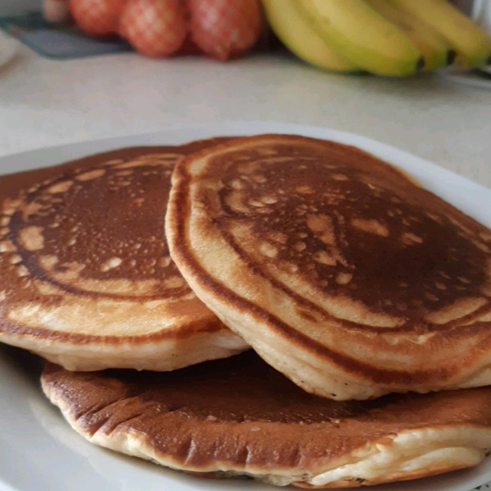 Buttermilk Pancakes I Julian Winstanley