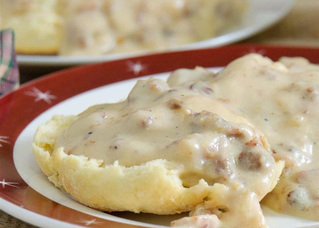 How to Make Homemade White Gravy From Scratch