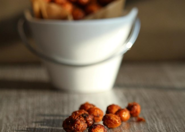 Nacho-Flavored Roasted Chickpeas