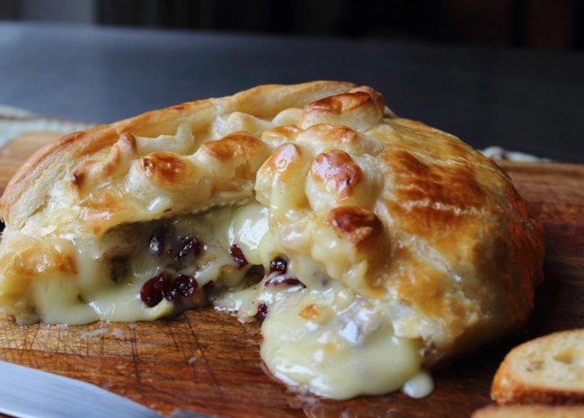 Baked Stuffed Brie with Cranberries and Walnuts