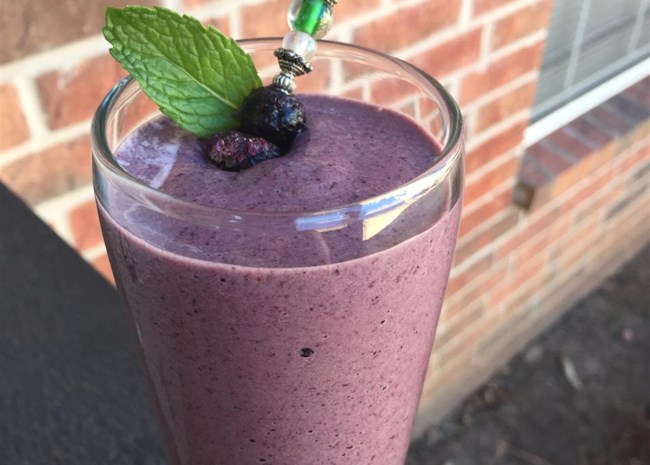 Superfood Berry-Green Smoothie