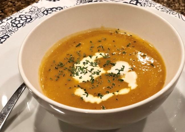 Instant Pot(R) Spicy Butternut Squash Soup