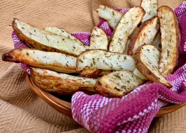 Rosemary Potato Wedges for the Air Fryer