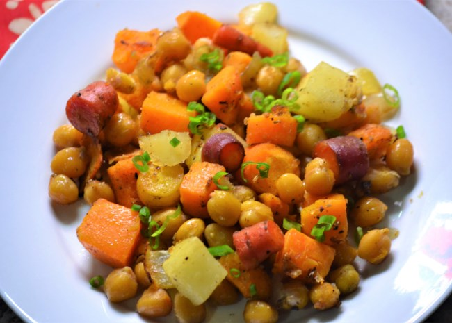 Vegetarian Sheet Pan Dinner with Chickpeas and Veggies