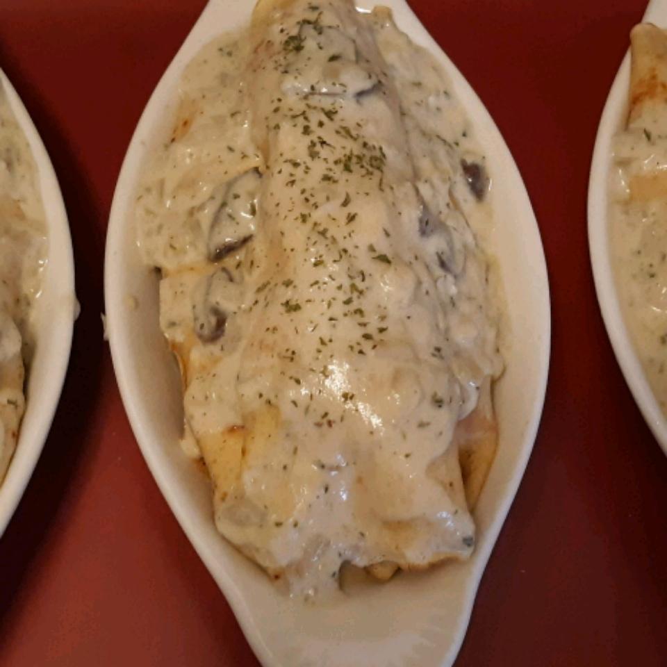 Chicken and Mushroom Crepes Cindy Genier