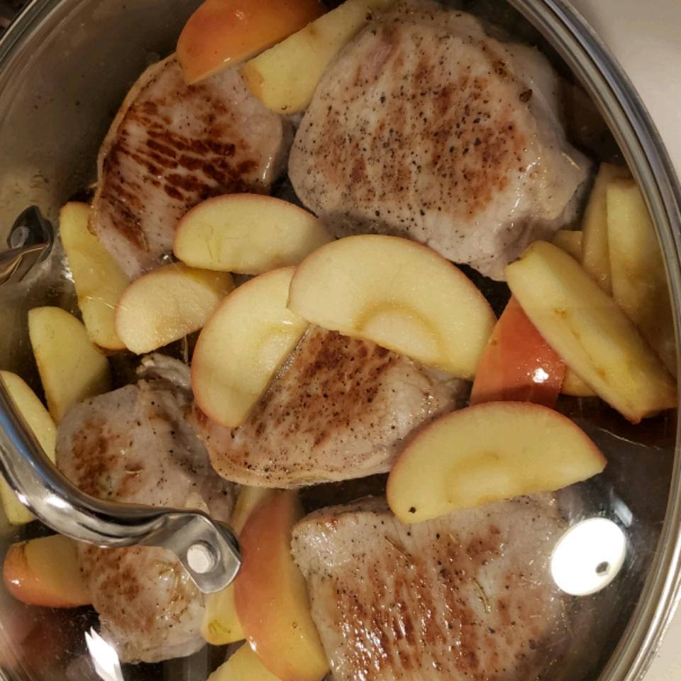 Boneless Pork Chops and Apples