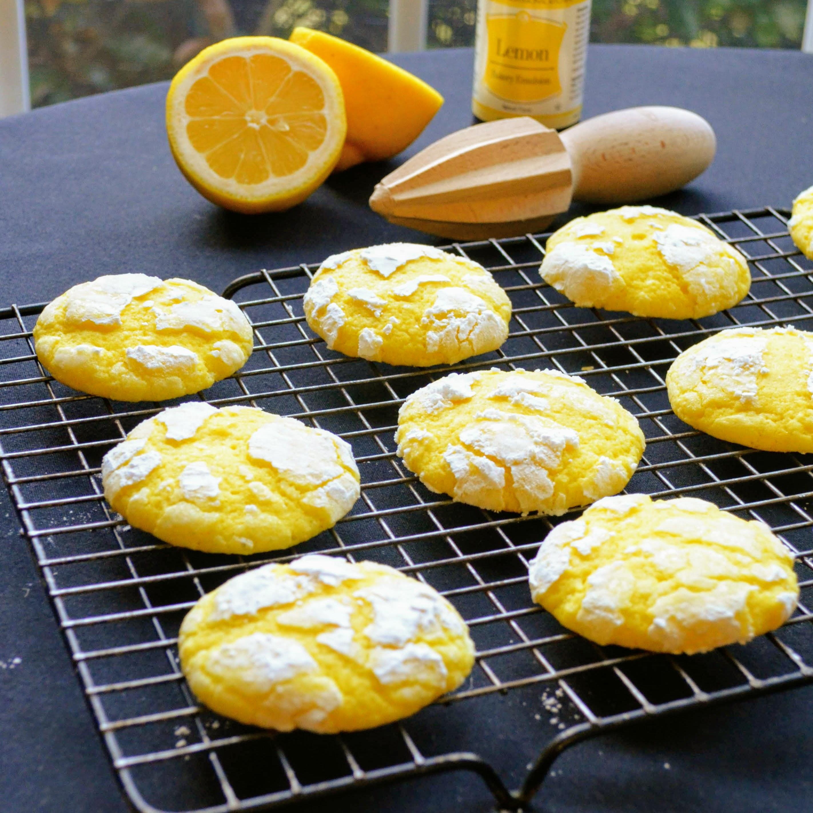 Lemon Crinkle Cookies image