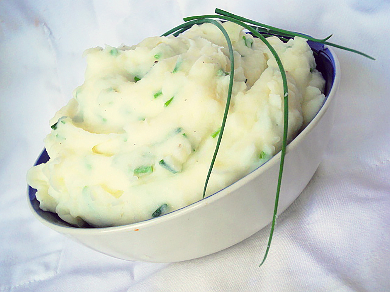 Sour Cream and Chive Mashed Potatoes image