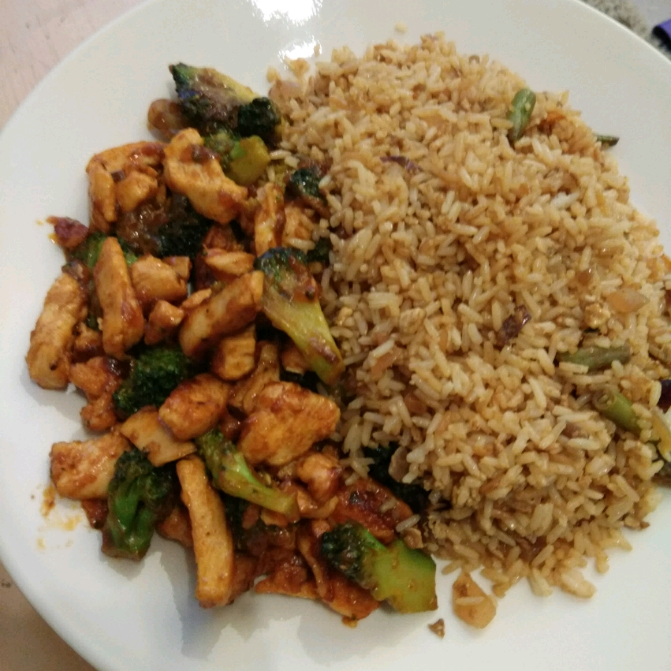 Broccoli and Chicken Stir-Fry Rohith Maben