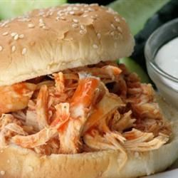 Slow Cooker Buffalo Chicken Sandwiches mominml