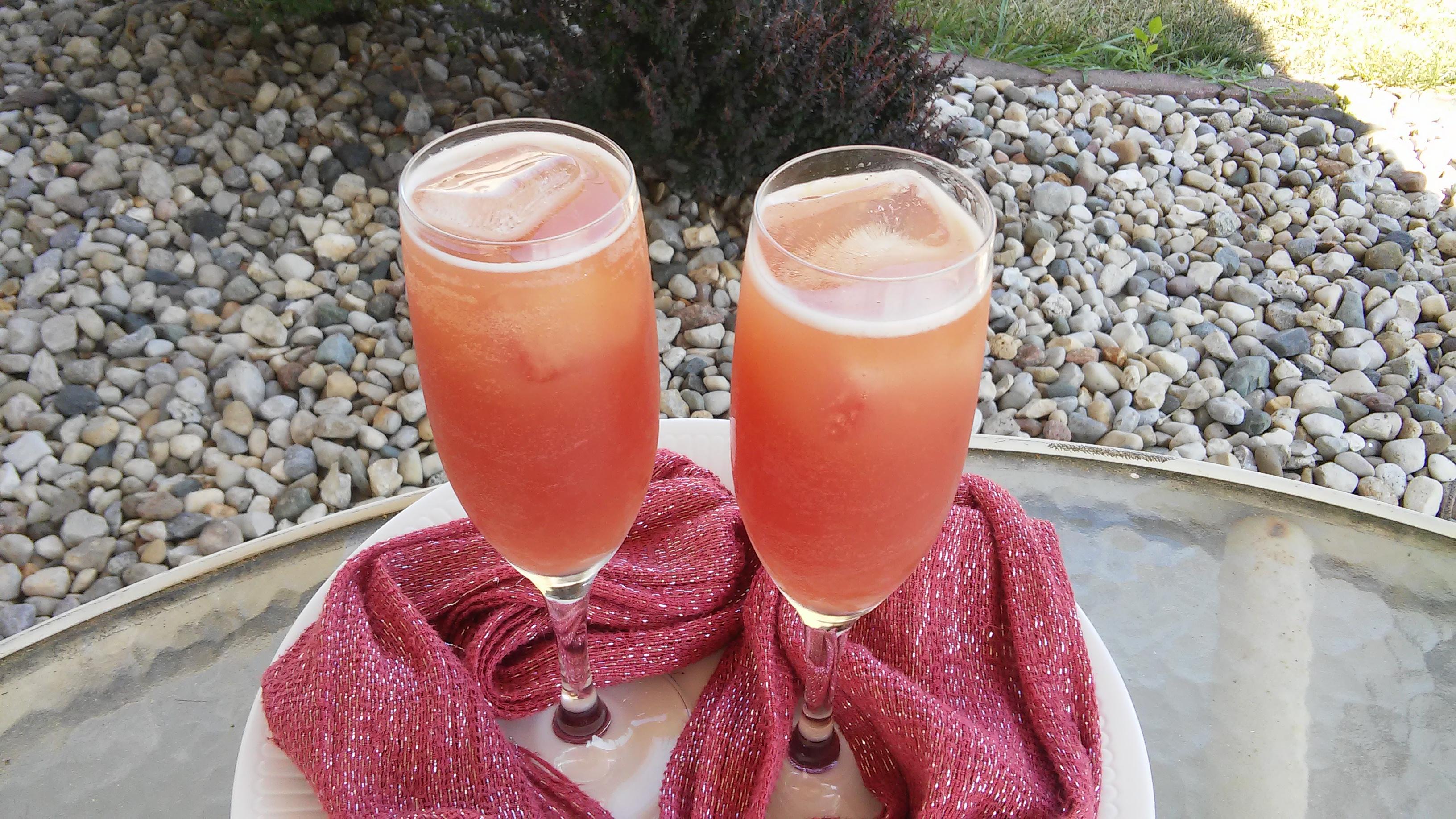 Pink Champagne Mocktail image