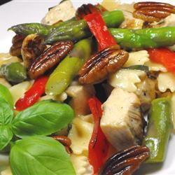 Asparagus, Chicken, and Pecan Pasta bellepepper