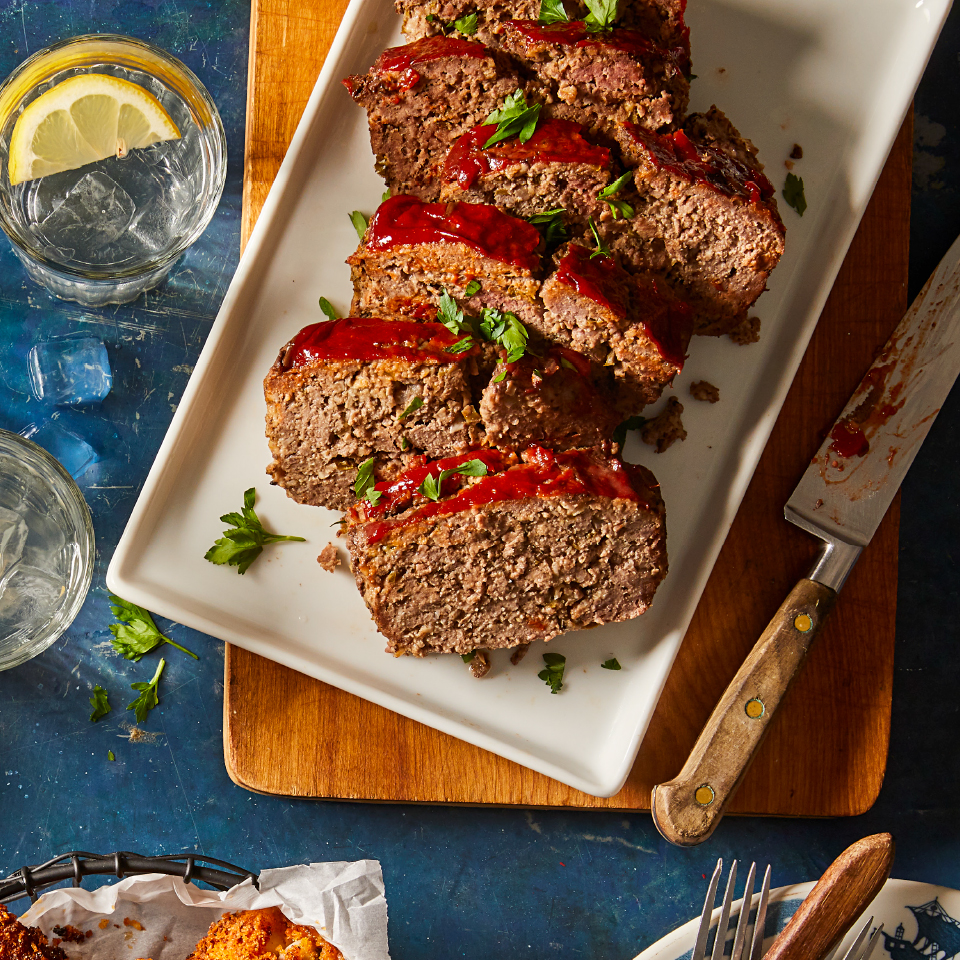 Mushrooms, garlic and oats sneak some extra nutrients into this hearty and easy meatloaf. Serve with sweet potatoes and your favorite green vegetables for a super-satisfying comfort food dinner.