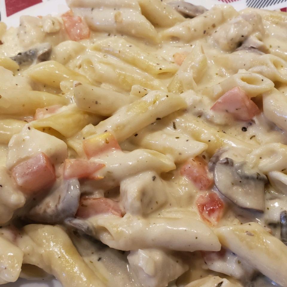 Chicken Fettuccini Alfredo JZ386Mr