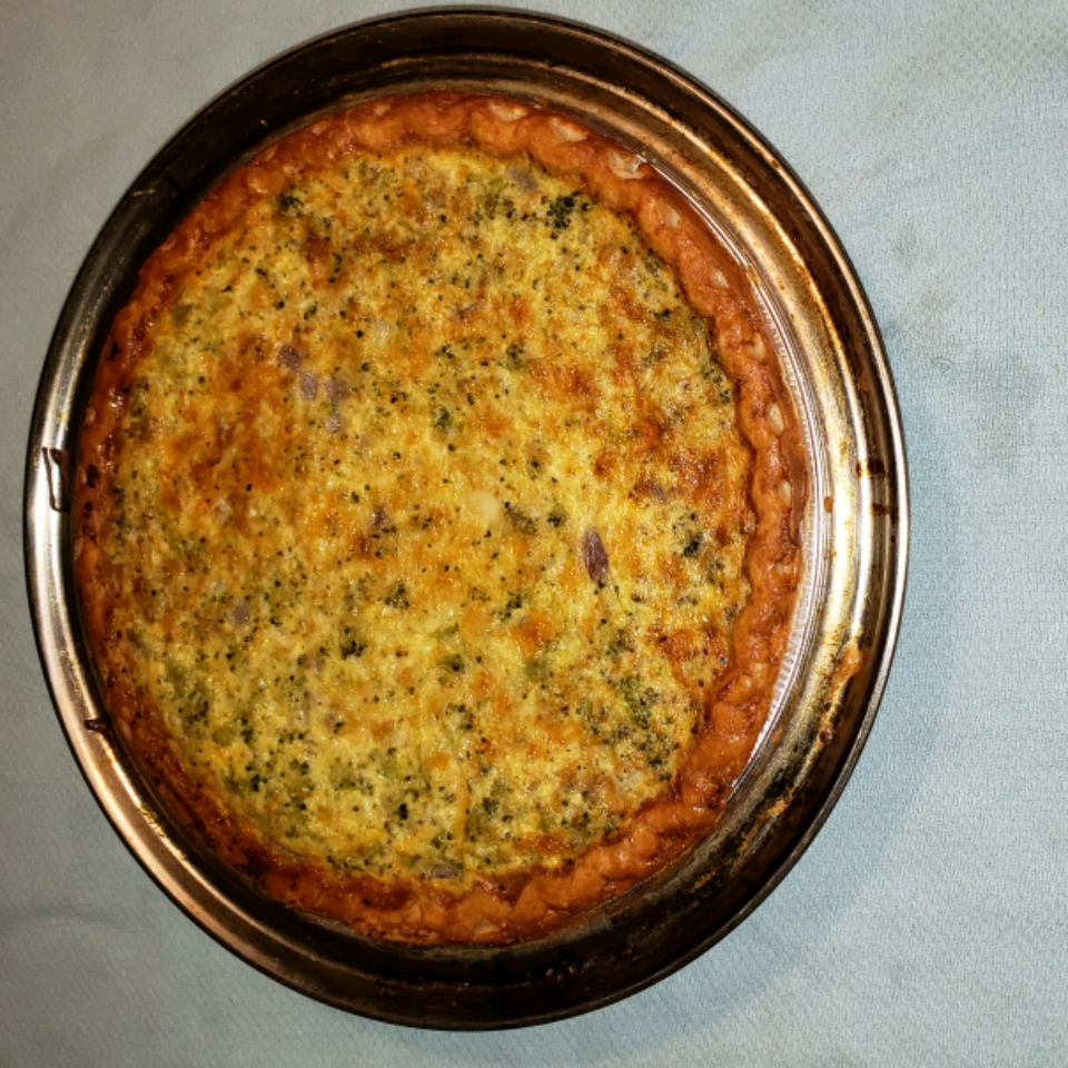 Easy Broccoli Quiche jacquelynnmickus