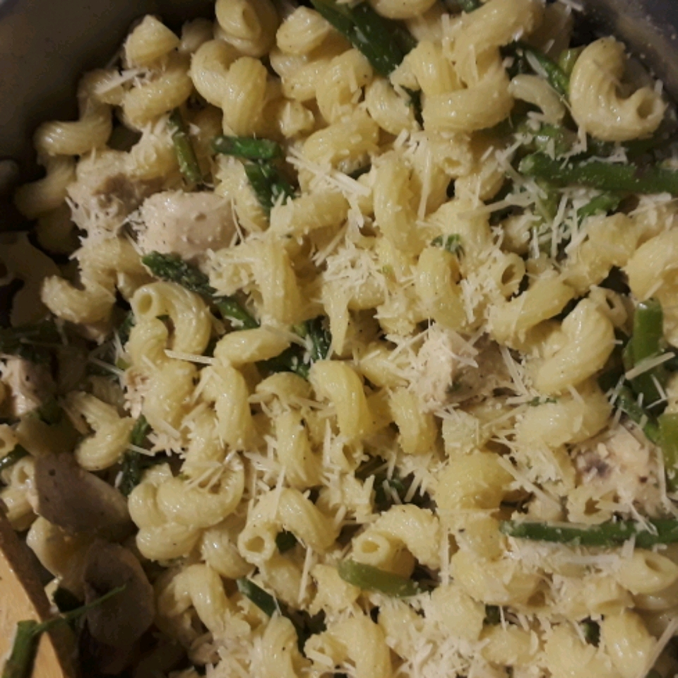 Penne with Chicken and Asparagus Tracy McGinnis