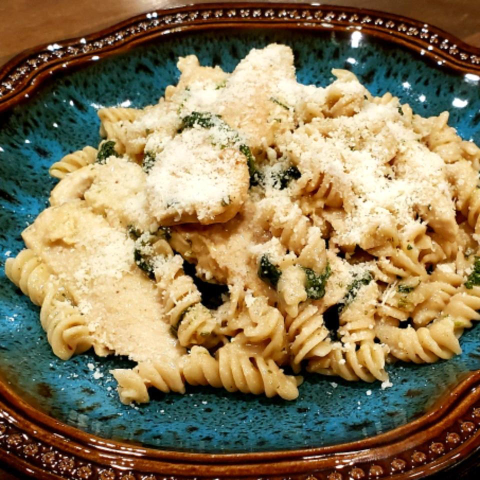 Pesto Chicken Florentine Jeramie Hockman