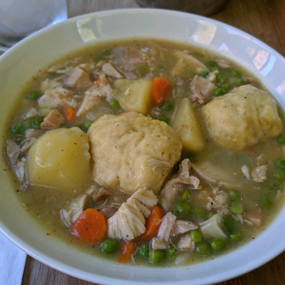 Irish Chicken and Dumplings CLAIRELLEN