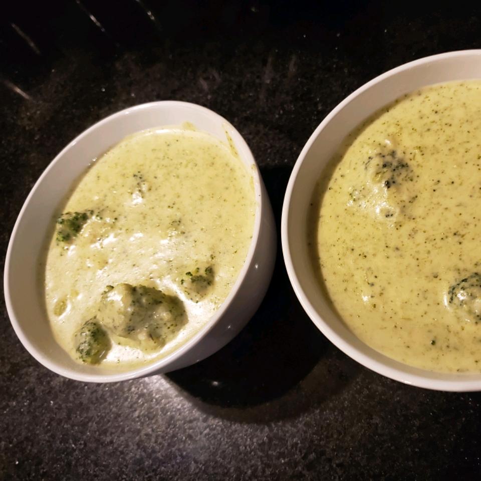 Erin's Cheesy Broccoli Soup