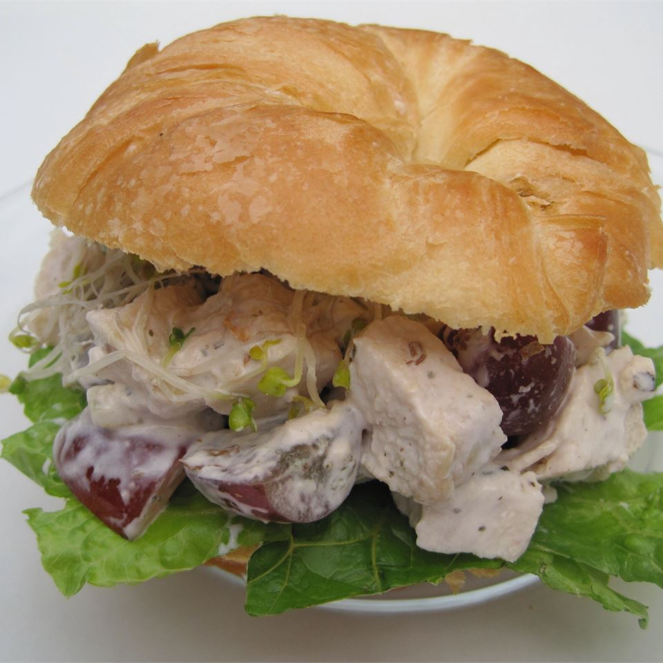 Sleepy Hollow Chicken Salad Supreme LYNNINMA
