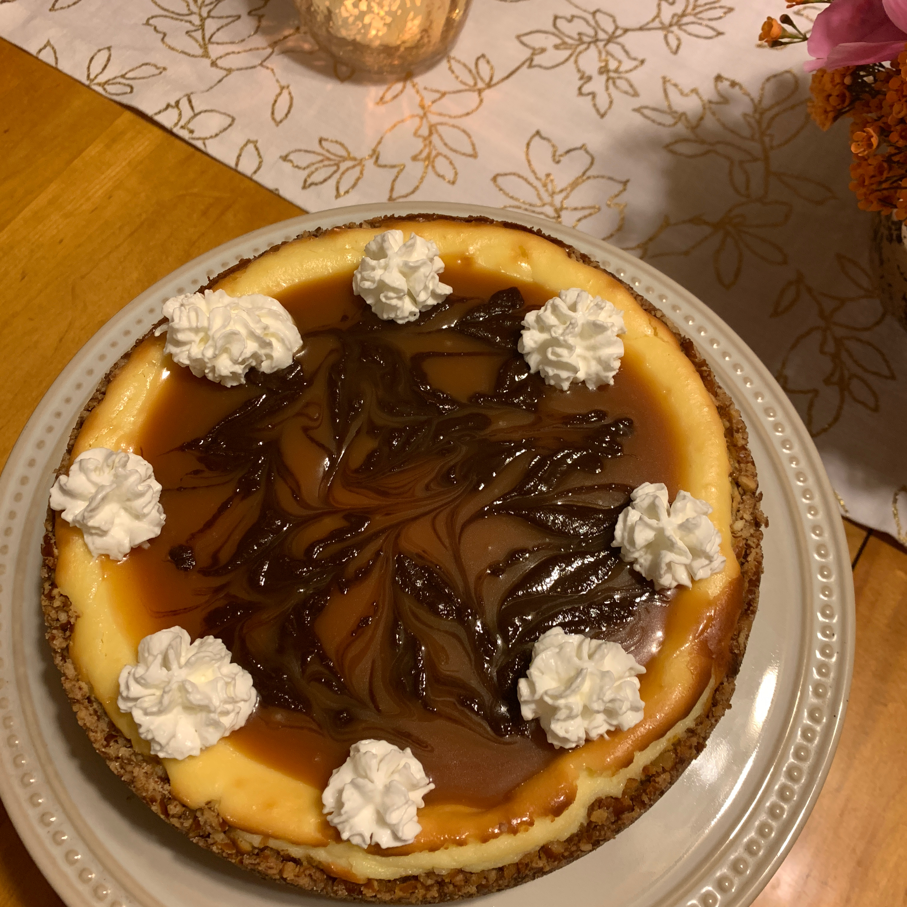 Caramel-Pretzel Cheesecake_image