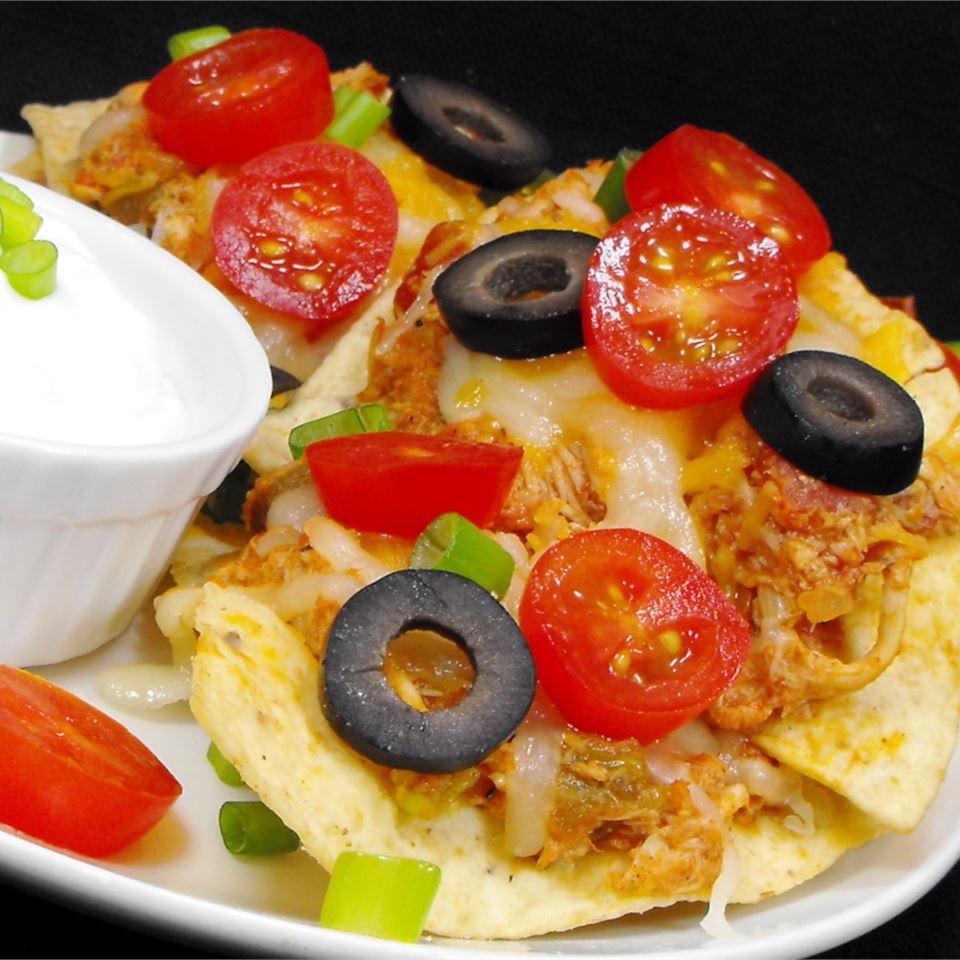 Restaurant Style Chicken Nachos_image
