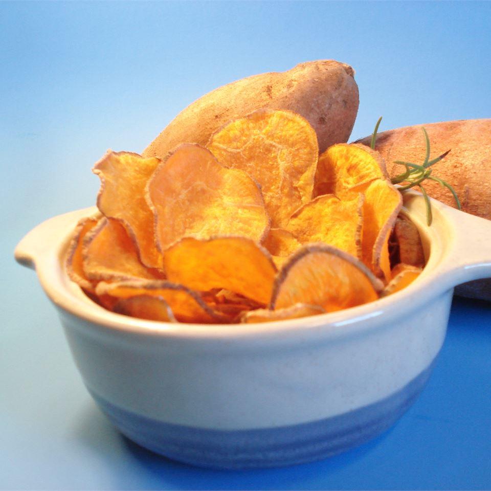 Cinnamon Sweet Potato Chips chunker