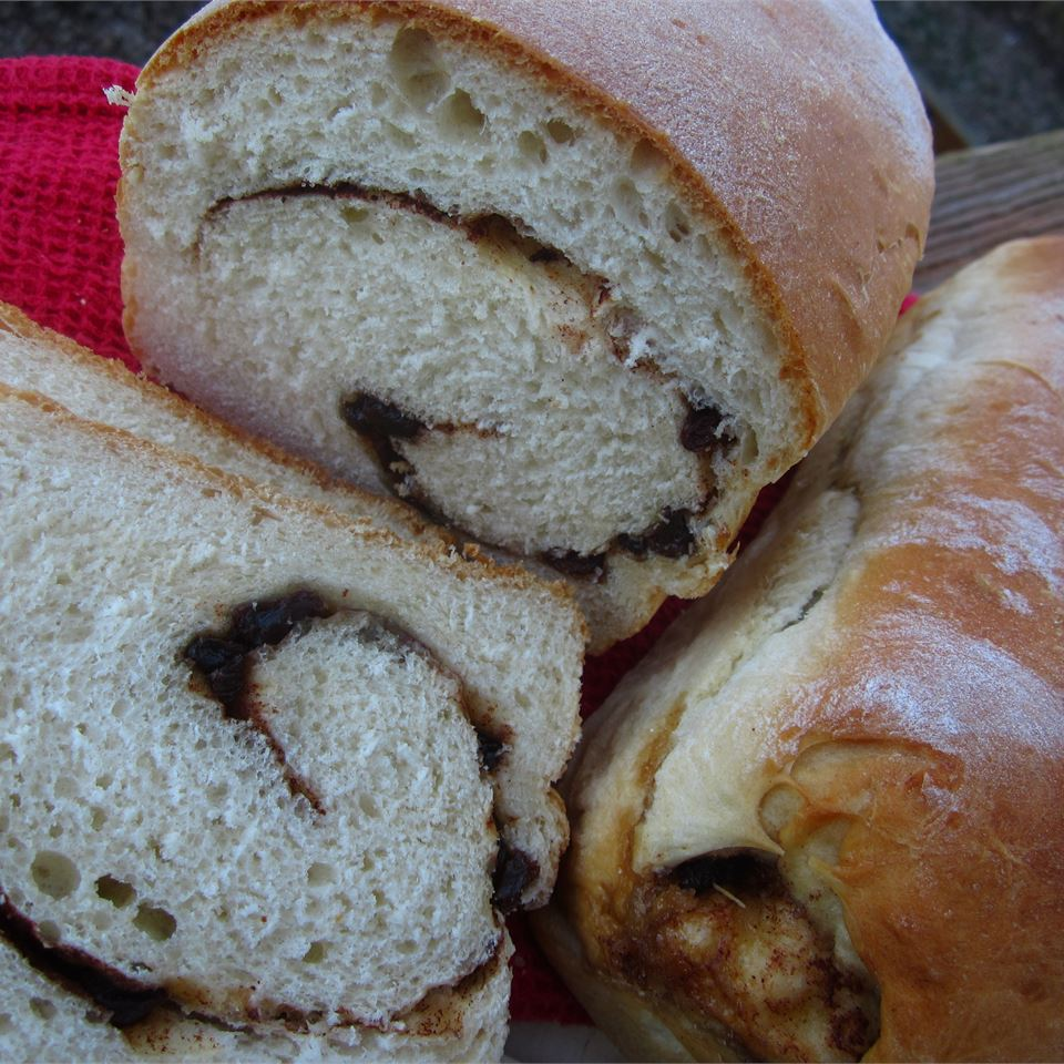 Overnight Cinnamon-Raisin Swirl Bread