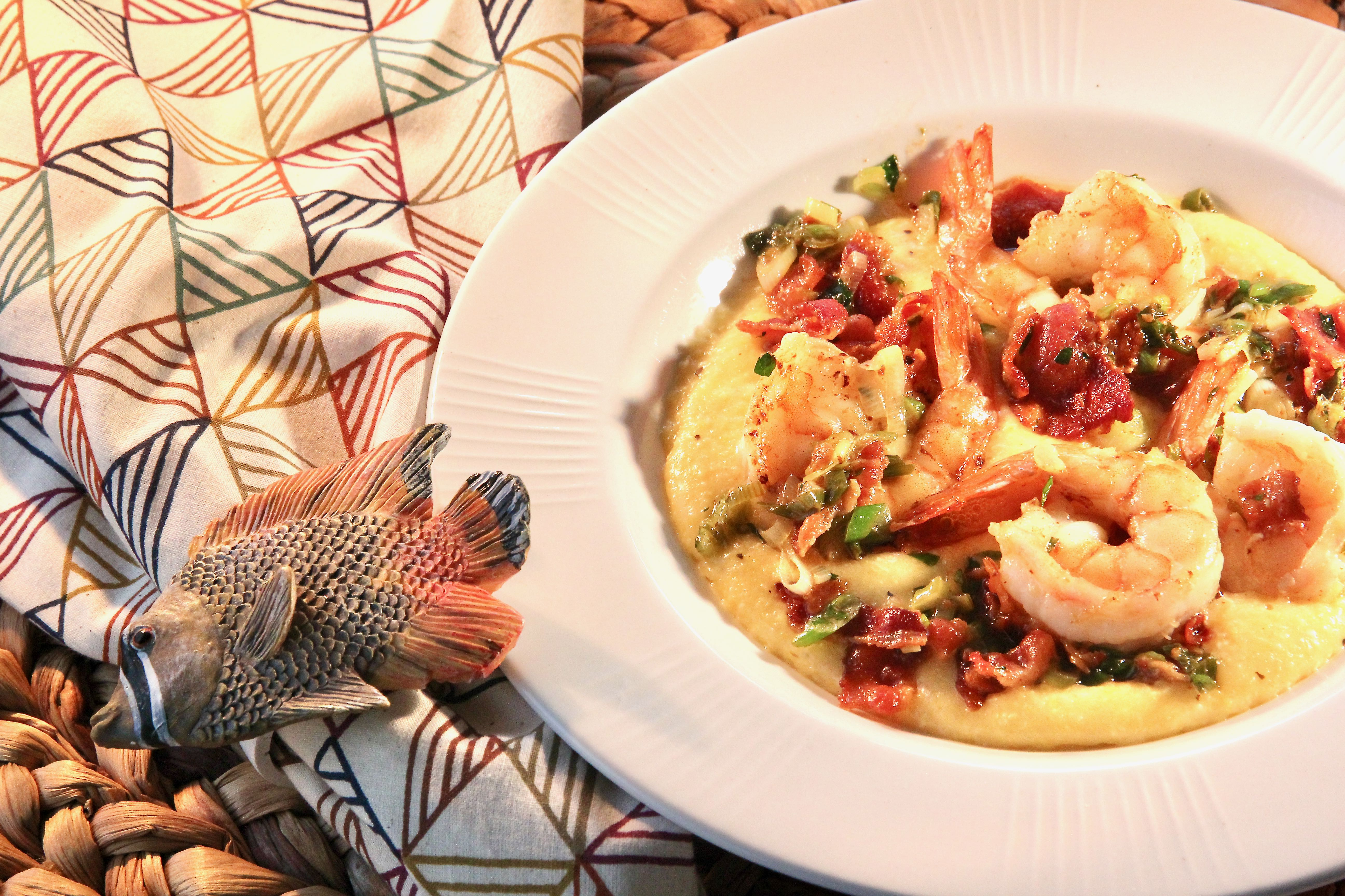 Cheesy Shrimp and Grits_image