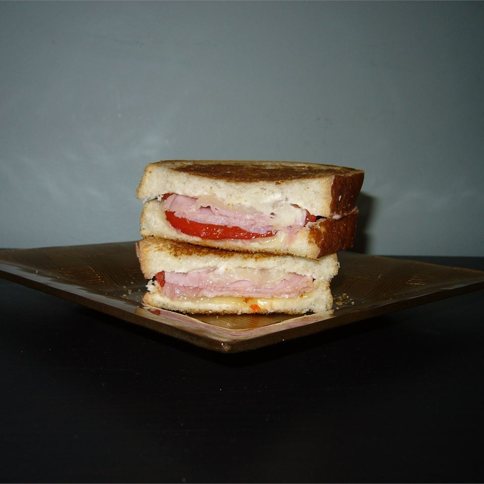 Grilled Roasted Red Pepper and Ham Sandwich 5Foot3