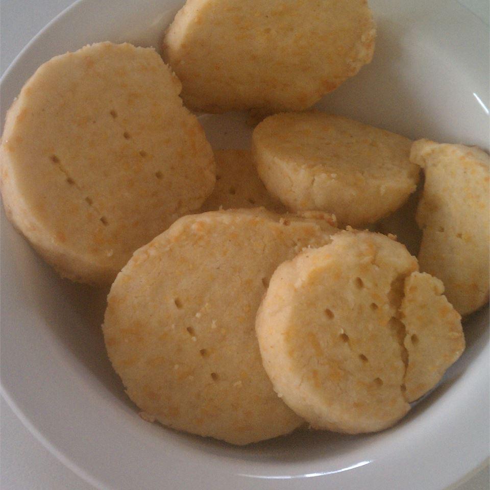 Cheddar Cheese Nippers Linda Farrell