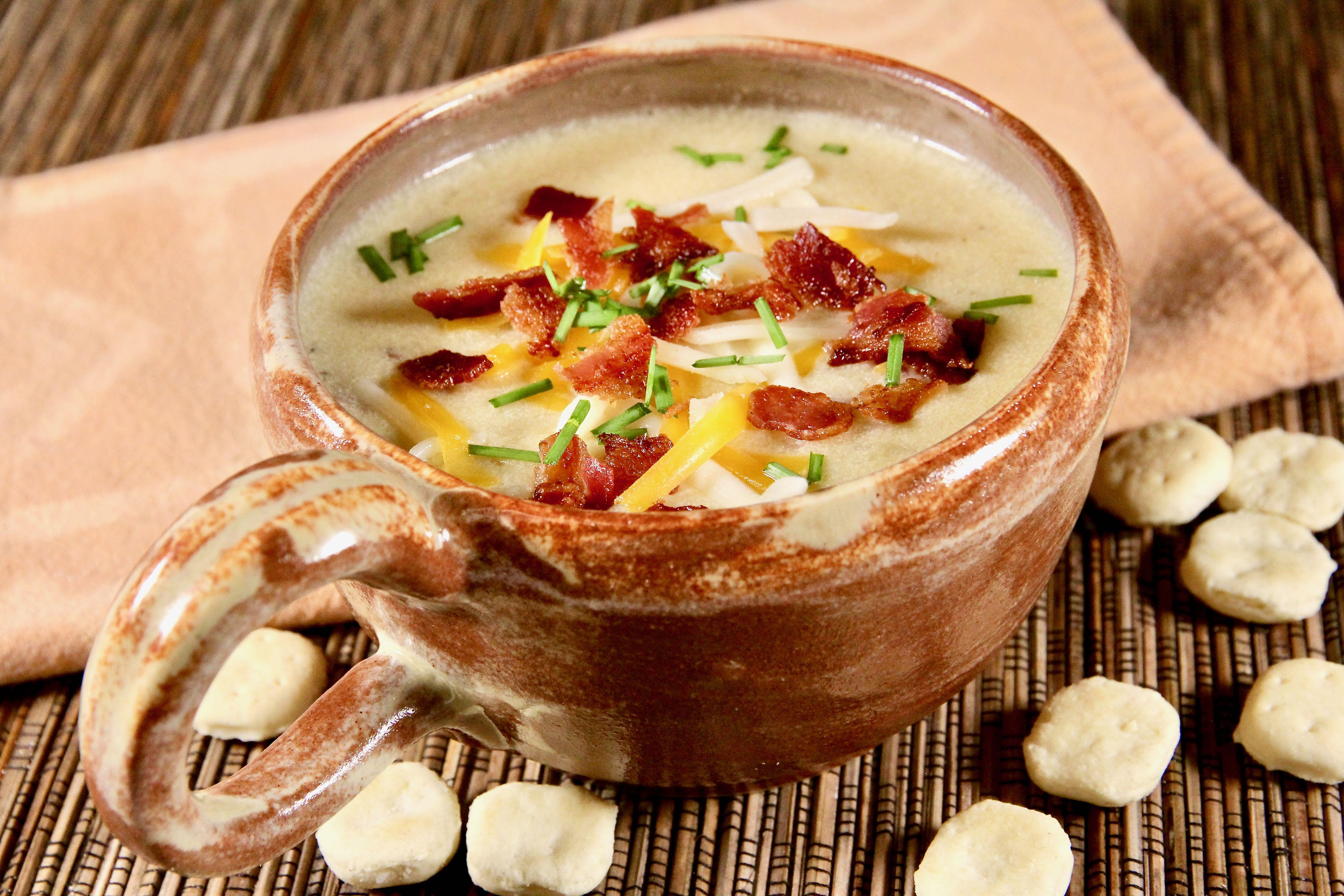 Slow Cooker Potato-Bacon Soup_image