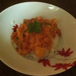 Spicy Chicken in Tomato-Coconut Sauce melislynndemarc